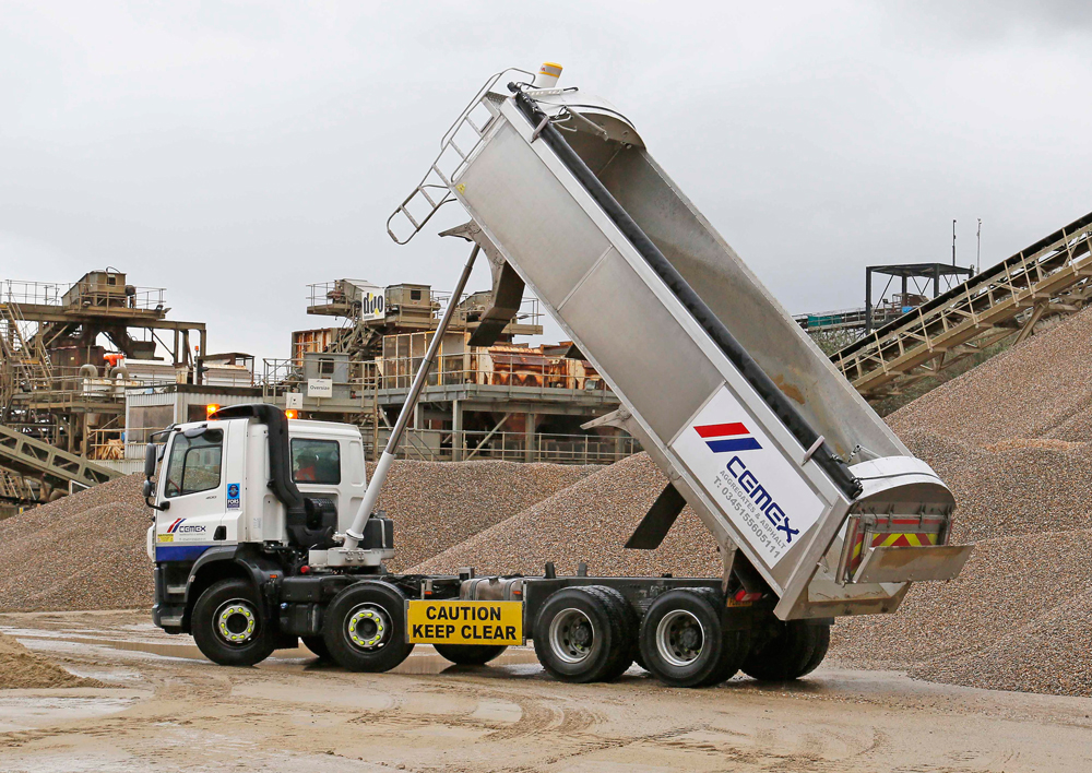 CEMEX tipper fitted with Hyva FCA129 tripping cylinders