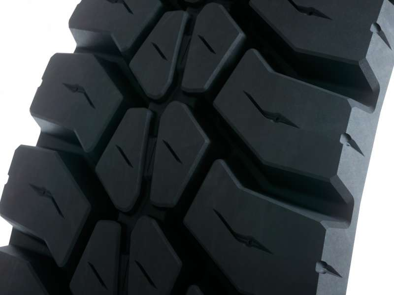 Blackline MIX202 tyre