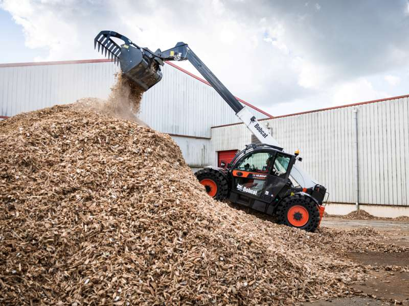 Bobcat TL43.80HF Waste Expert telescopic loader