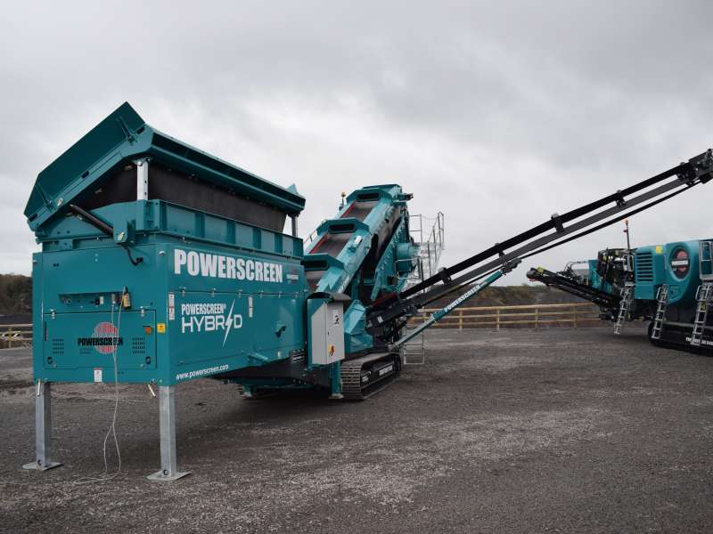 Powerscreen Chieftain 1700X hybrid screener
