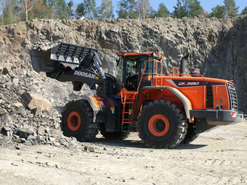 Doosan DL580-5 wheel loader