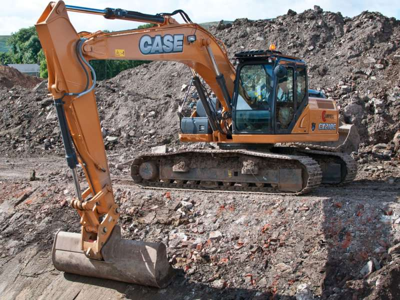 Case excavator fitted with a Hill Engineering quick-hitch