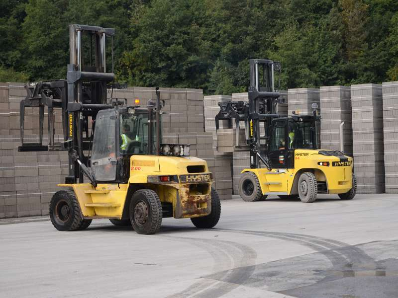 Hyster H8FT and H8XM6 lift trucks