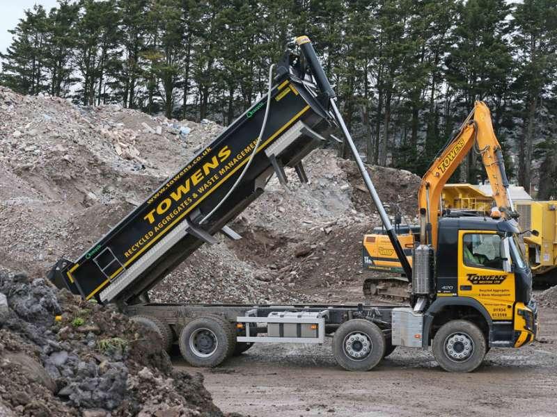 Towens of Weston choose Hyva tipping cylinder