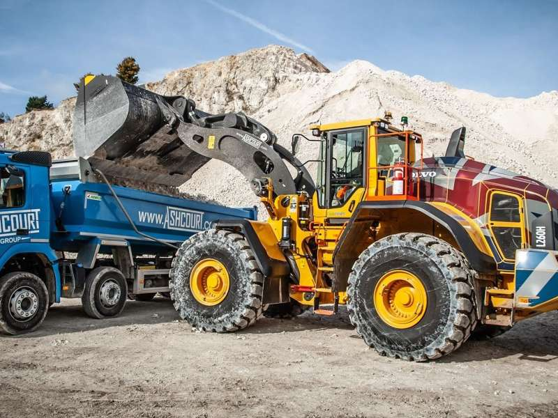Volvo L260H wheel loader