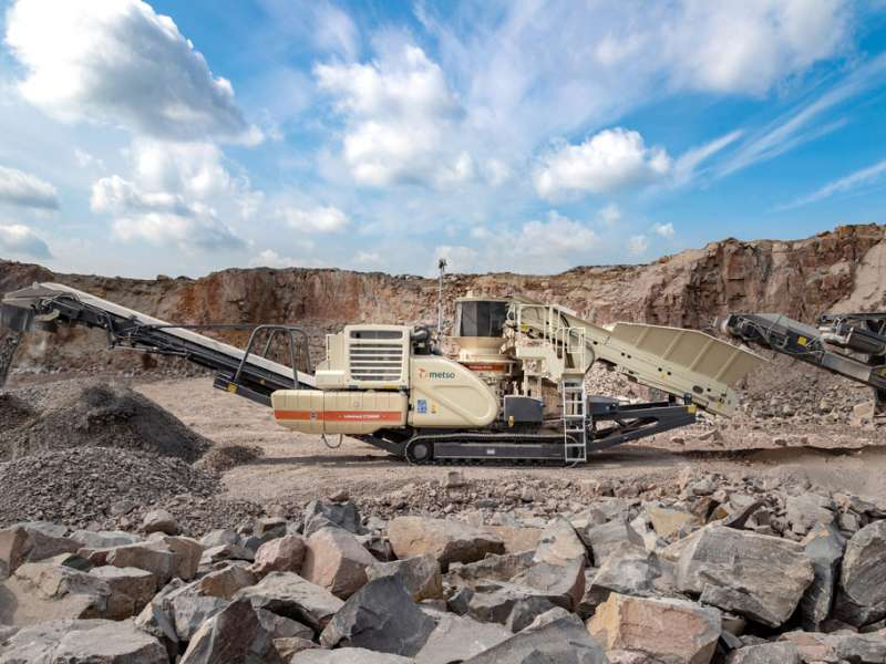 Metso LT200HP mobile crushing plant