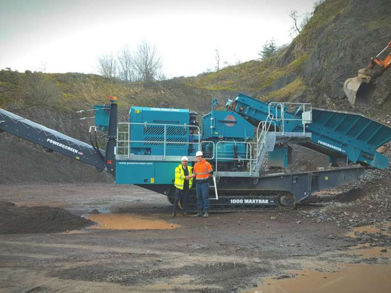 Powerscreen 1000 Maxtrak mobile cone crusher