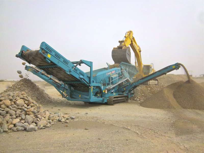 Powerscreen Warrior 1800 screen