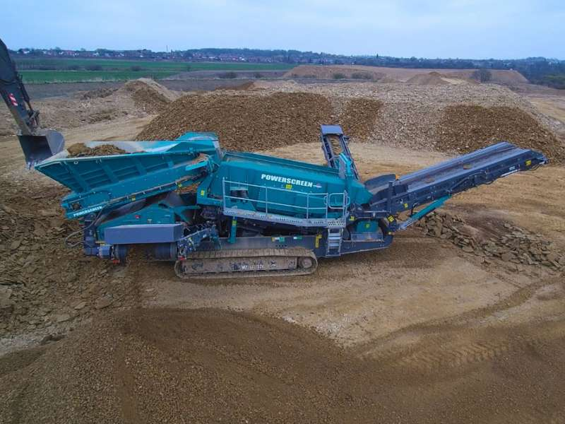 Powerscreen Warrior 2100 screen