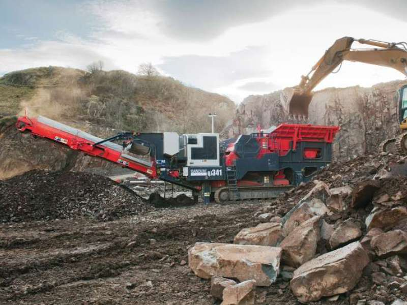Sandvik QJ 341 mobile jaw crusher