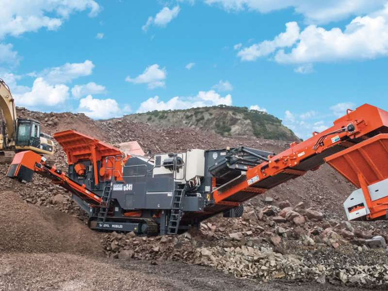 Sandvik QJ341+ mobile crusher