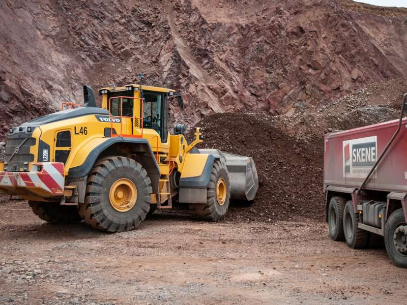 Volvo L220H loading shovel