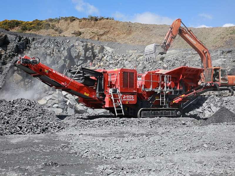 Terex Finlay J-1175 dual-powered jaw crusher