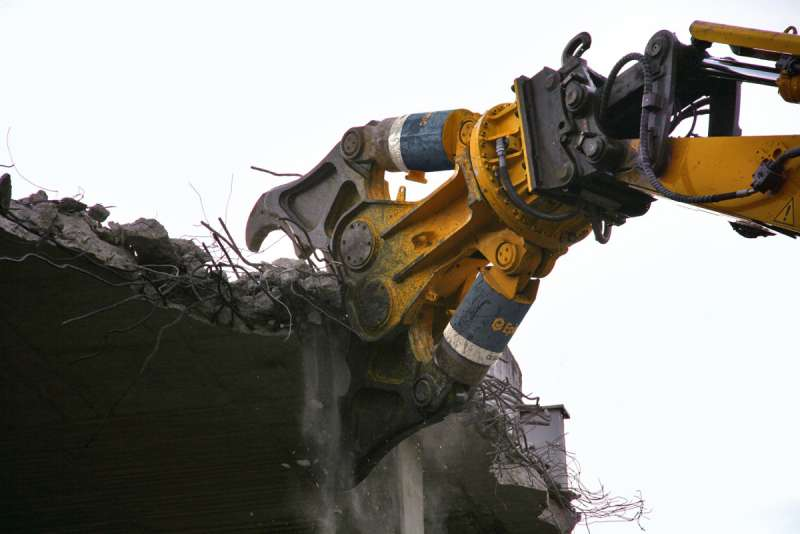 Epiroc CB 5500 demolition attachment