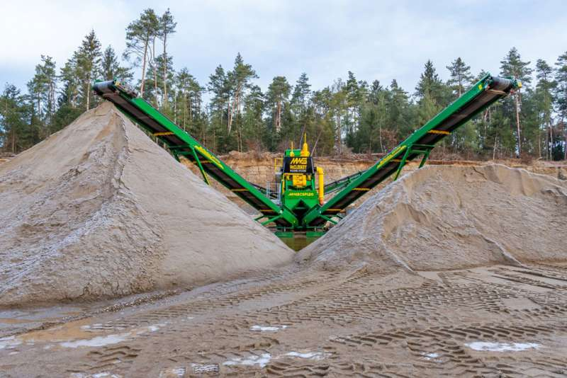 McCloskey CSP120 compact sand plant