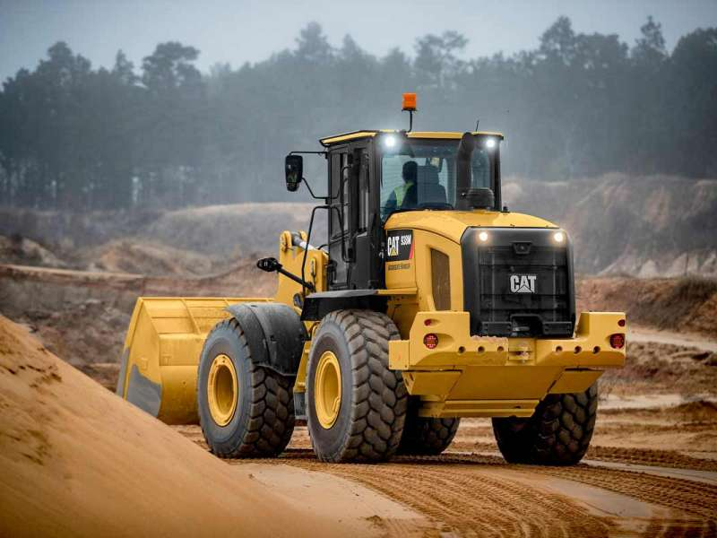 Cat 938M compact loader