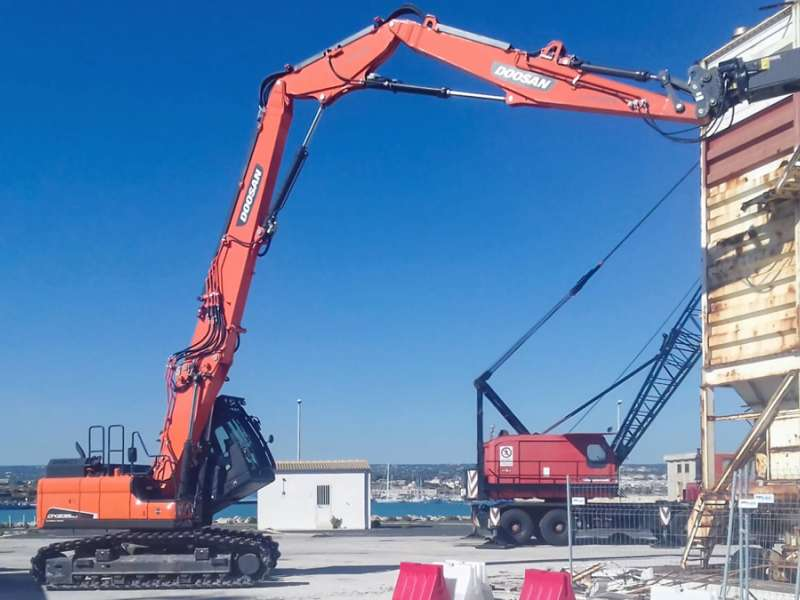 Doosan DX235DM demolition excavator