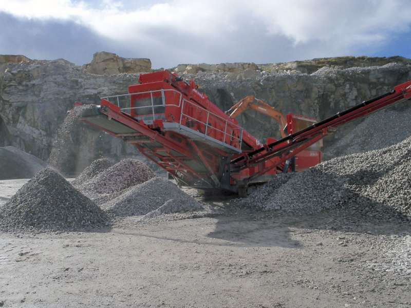 Terex Finlay 684 two-deck screen
