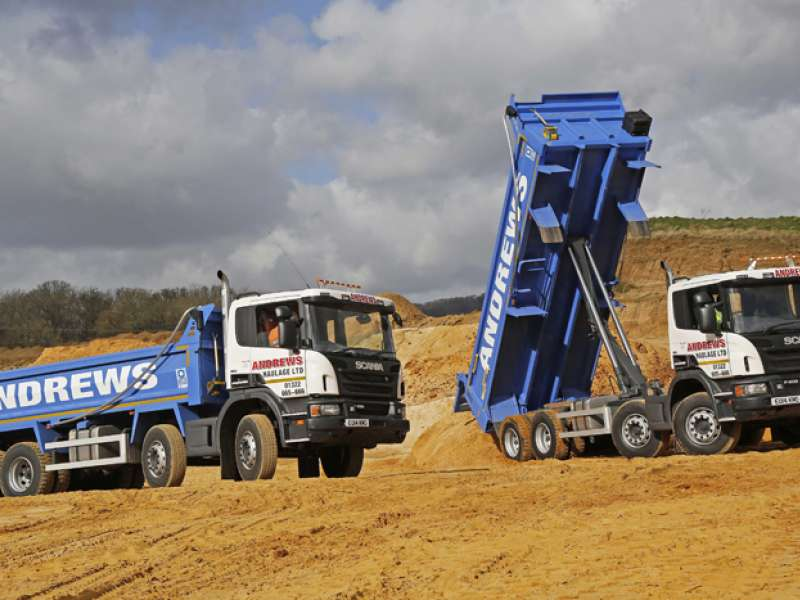 8x4 tipper trucks fitted with Thompsons Loadmaster bodies