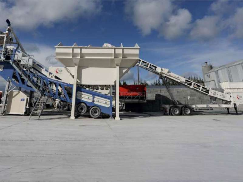 Total Batching Solutions mobile loading hopper