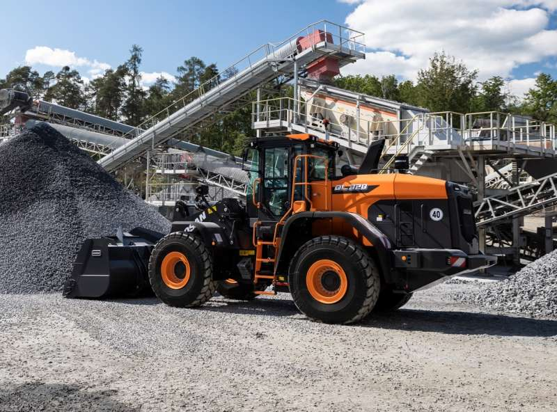 Doosan DL320-7 wheel loader